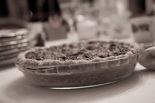 Thanksgiving_2008_pumpkin_pecan_pie_Wikimedia